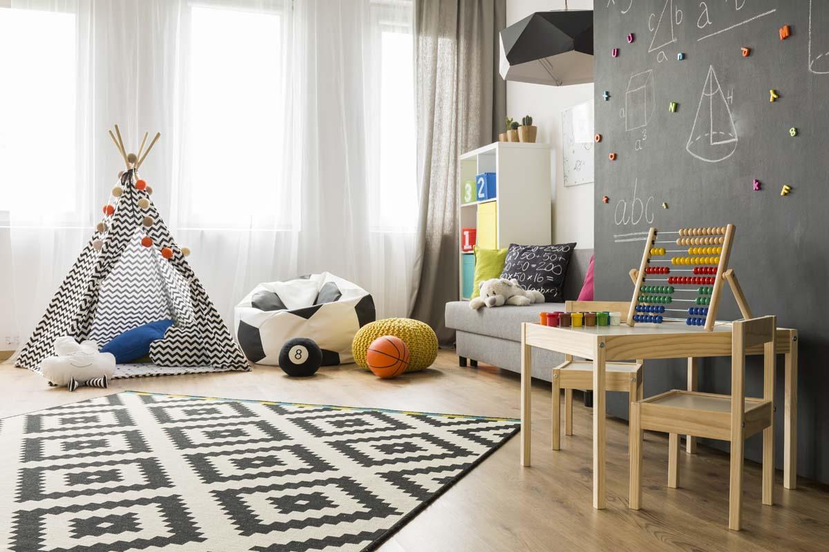 Magnetische und beschreibbare Fläche im Kinderzimmer