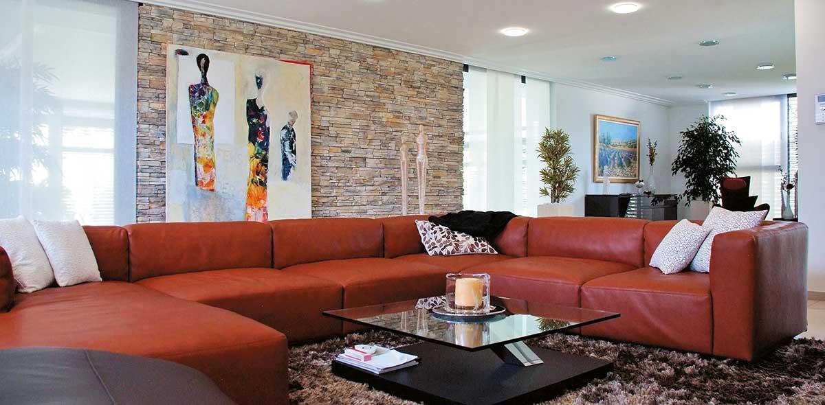Geopietra Wand als Dekor im Wohnzimmer