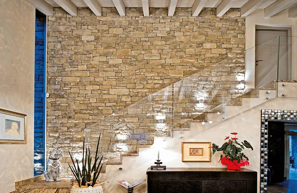 Finition intérieurs avec briques