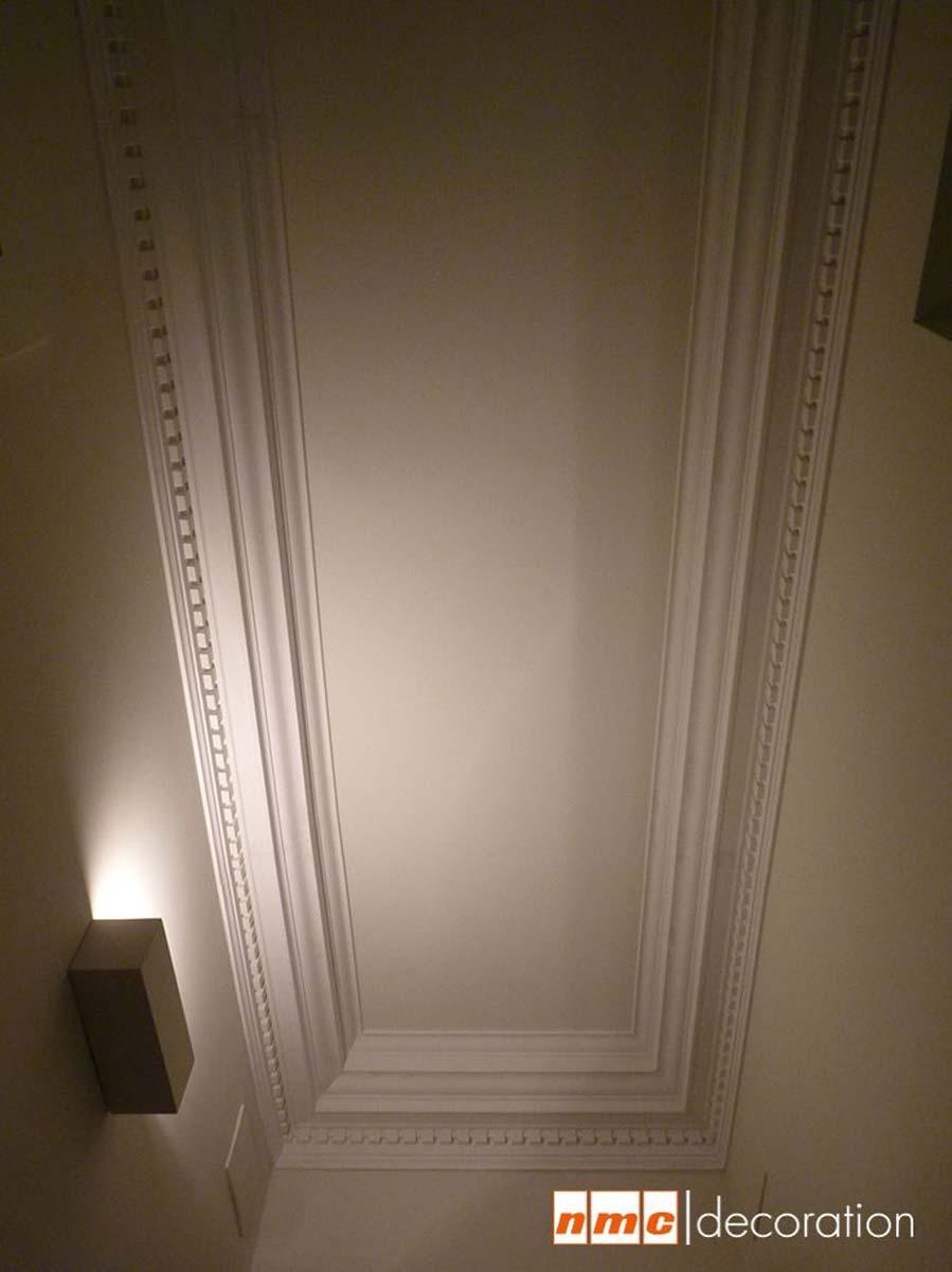 Plafond avec corniche en polyuréthane